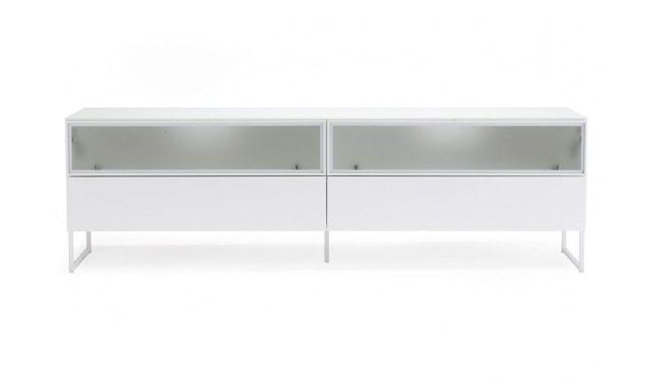 Nurmelan kotimainen tv-taso, metallijalat. Elegantti ja kevyen linjakas Oliivi edustaa skandinaavista designia yhdistettynä suomalaiseen laatuun.