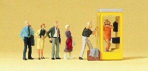 Preiser 10523 Wachtenden bij de telefooncel
