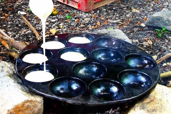 Cooking pots, grinding stones, appam pans and more! They are not just about the food. They reveal a lot about African traditional knowledge