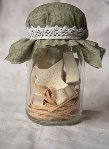 Dolcebosco -profumabiancheria- Glass jar with hand painted fabrics in cotton and all natural materials,  9 containing gypsum scented leaf shaped. to buy:http://blomming.com/mm/Aromantiche/items/dolcebosco-profumabiancheria?page=2_type=thumbnail
