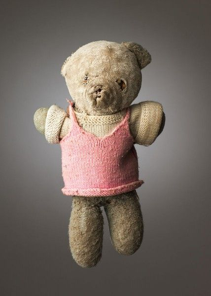 Portraits Of Teddy Bears Loved To Bits By Their Owners
