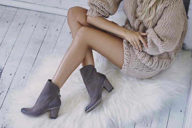 YALE ANKLE BOOT | Available in black & taupe