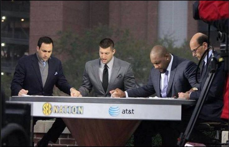 What Tim Tebow was caught doing off camera proves he's a total class act Read more at http://www.youngcons.com/tim-tebow-caught-off-camera-proves-hes-total-class-act/#SB88Km01c3gKfczO.99