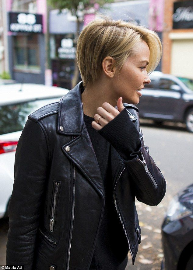 Lara Bingle | The Cut | Natural Beauty | Effortless and Natural | Style | Black on Black | Leather Jacket | TheUNDONE | #beundone