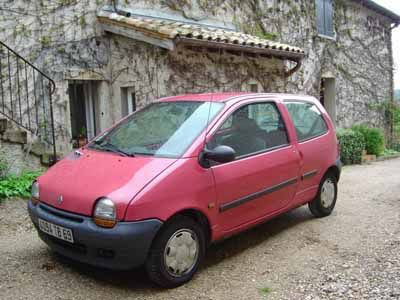 Pink Twingo, my very first car :)