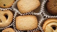 Unidas a nuestra vida desde pequeños, estos dulces de bocado tienen múltiples variedades. Repasamos cómo preparar algunas de las más populares: las danesas de mantequilla, las cookies de chocolate o las sencillas tejas