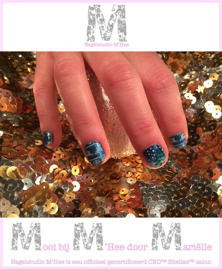 M'Hee. CND™ SHELLAC™ brand 14+ day nail color cerulean sea met CND™ ADDITIVES™ en stempels