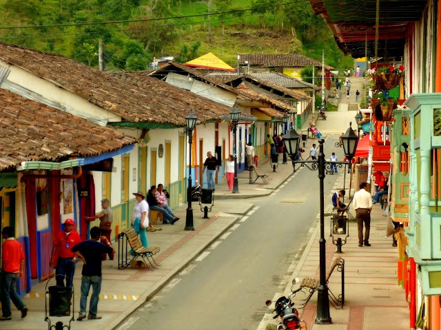 """Salento, Columbia: Blogger """"Adam the Traveler"""" writes of his Columbia adventures. By making an effort to """"always talk to strangers,"""" Adam picks up on the local culture and flavor."""