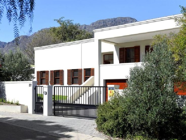 Residence Vive La Vie - Residence Vive La Vie is an upmarket bed and breakfast located in the beautiful Franschhoek Valley. Our guest house is perfect guests looking for comfortable accommodation, close to an assortment of attractions. ... #weekendgetaways #franschhoek #winelands #southafrica