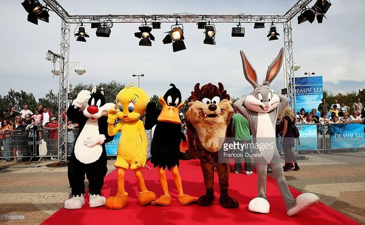 Cartoon characters Sylvester the cat, Tweety Bird, Daffy Duck, Tazmanian Devil and Bugs Bunny arrive at the 'Scooby-Doo! Pirates Ahoy' premiere at the 32nd Deauville Festival Of American Film on September 9, 2006 in Deauville, France.