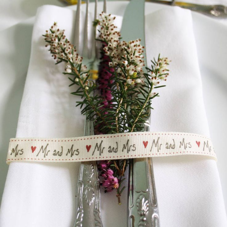 'mr and mrs' ribbon by Le Trousseau