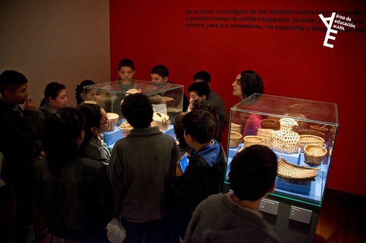 Primera visita guiada del Área de Educación del Museo Arte Popular Americano MAPA. 7º básico de la escuela Presidente Salvador Allende Gossens de la comuna de El Bosque. Abril 2014.