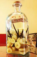 Rhum banane vanille - Rhum arrangé. A consommer frais avec un trait de sirop de sucre de canne.