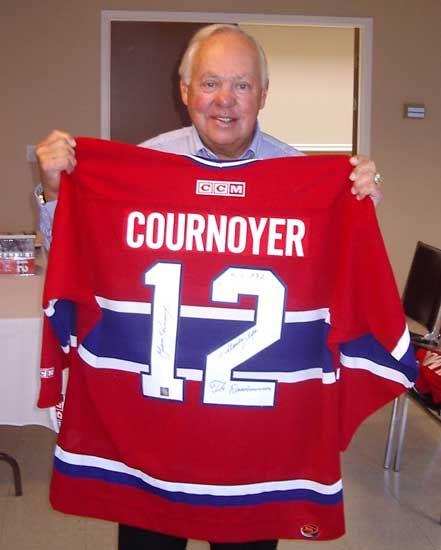 Yvan Cournoyer : La puissance de son lancer des poignets et la vitesse d'Yvan Cournoyer faisaient de lui un des attaquants les plus craints du hockey.