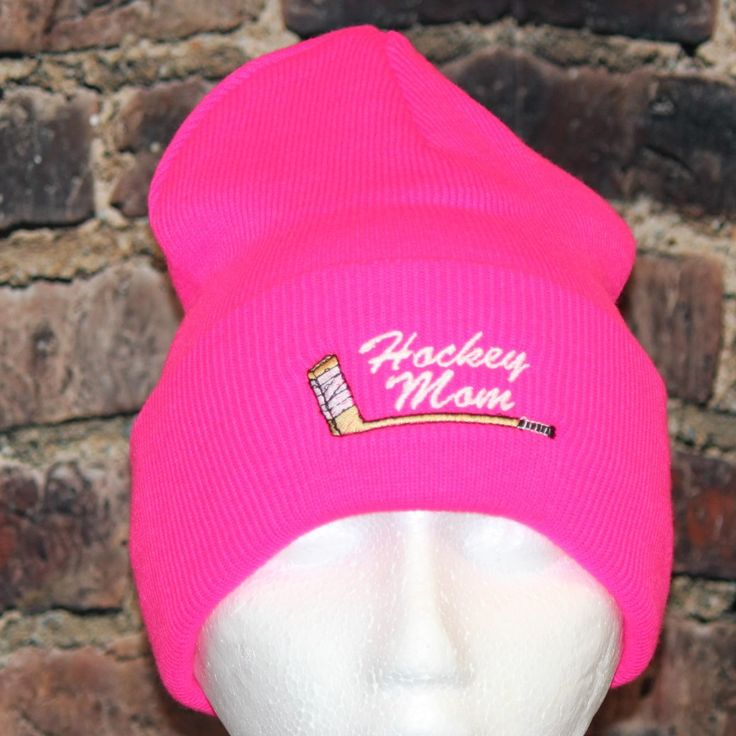 Hockey Mom with embroidered stick logo Hot pink cuff Toque - Hollywood Filane