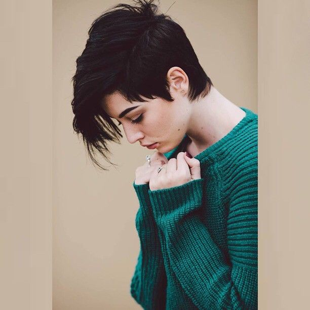 another one by @charlemagneolivier MUA @siffbxtch #androgynous #undercut                                                                                                                                                      More