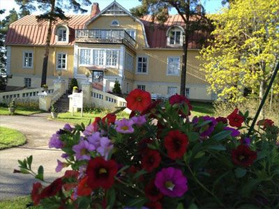 Urpolan Kartano - Urpola Manor at Humppila, South-Western Finland. There is another Urpolan Kartano in Mikkeli, Eastern Finland. This Manor offers accommodation, restaurant etc.