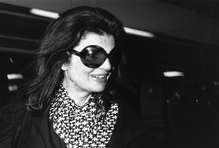 Jackie Kennedy Onassis Is A Style Icon ... Here Are 85 Reasons Why (PHOTOS)1975