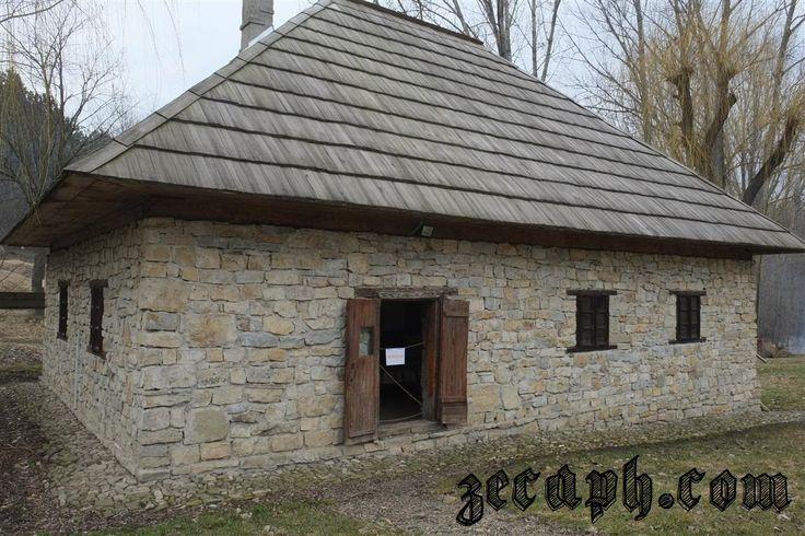 case naturale construite din materiale naturale din zona bucovinei zecaph  (51)d