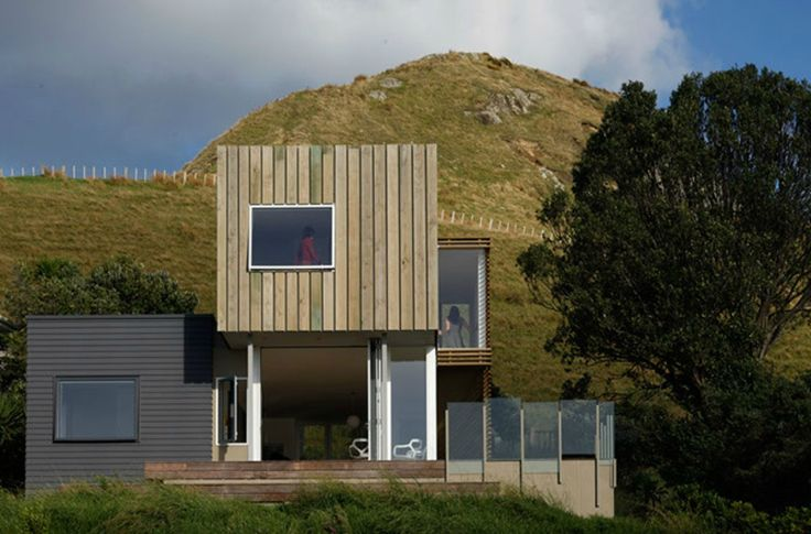 Built by David Berridge Architect in Coromandel, New Zealand with date 2009. Images by Patrick Reynolds. This beach house is intended to create a place where the New York based architect can reconnect with his New Zealand ...