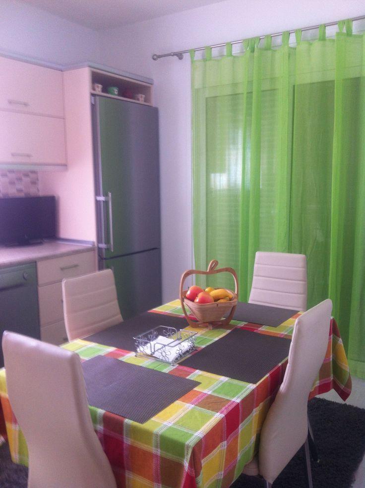 Καλοκαιρινά χρώματα για κουζίνα