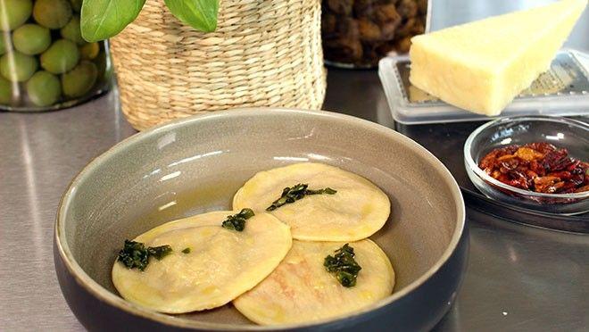 Ravioli met amatriciana-saus - Cucina Moderna: Roberta's Italië | 24Kitchen