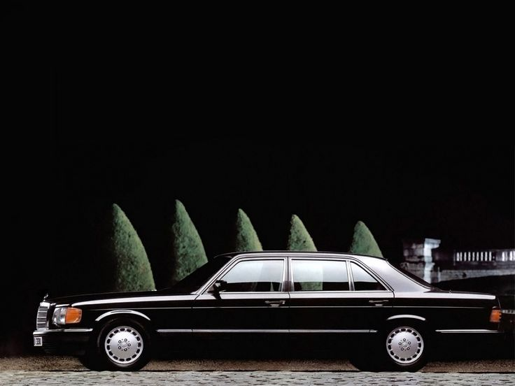 Mercedes-Benz 560SEL (W126) | by Auto Clasico