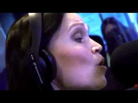 Tarja - The Unforgiven (Metallica) Voice of an angel .listen be quiet please simply enjoy