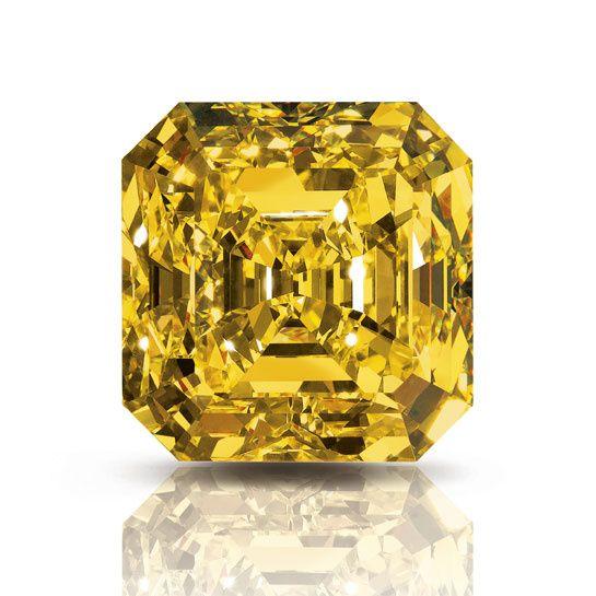 Pierres célèbres: le Delaire Sunrise de Graff http://www.vogue.fr/joaillerie/a-voir/diaporama/joaillerie-huit-pierres-celebres-hope-diamond-star-of-the-east-taylor-burton-diamond-winston-legacy-diamond-diamant-wittelsbach/15513/image/864939#pierres-celebres-diamant-delaire-sunrise-graff