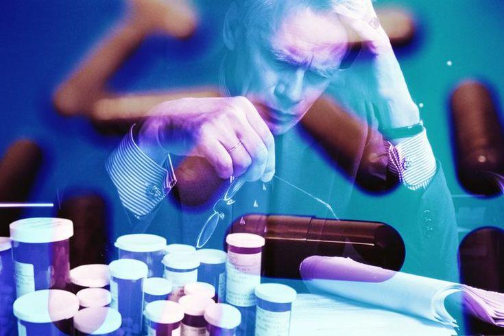 Cómo confrontar a alguien con adicción a las drogas. La adicción a las drogas de un amigo o familiar puede tener efectos destructivos en todas las personas a su alrededor. Es importante obtener ayuda para un adicto que está luchando antes de que llegue al