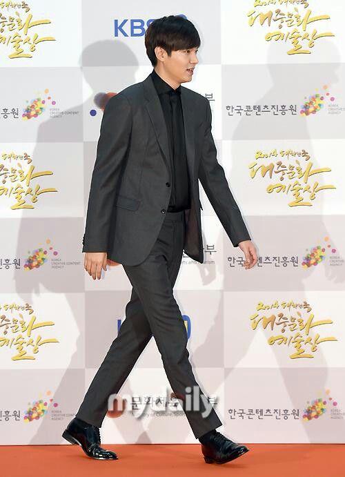 11/17/2014 Lee MinHo at 2014 Korean Popular Culture and Arts Awards