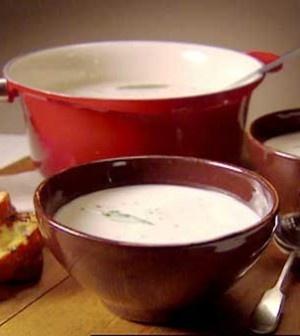 Toskánská fazolovo-česneková polévka  (Tuscan bean-garlic soup)