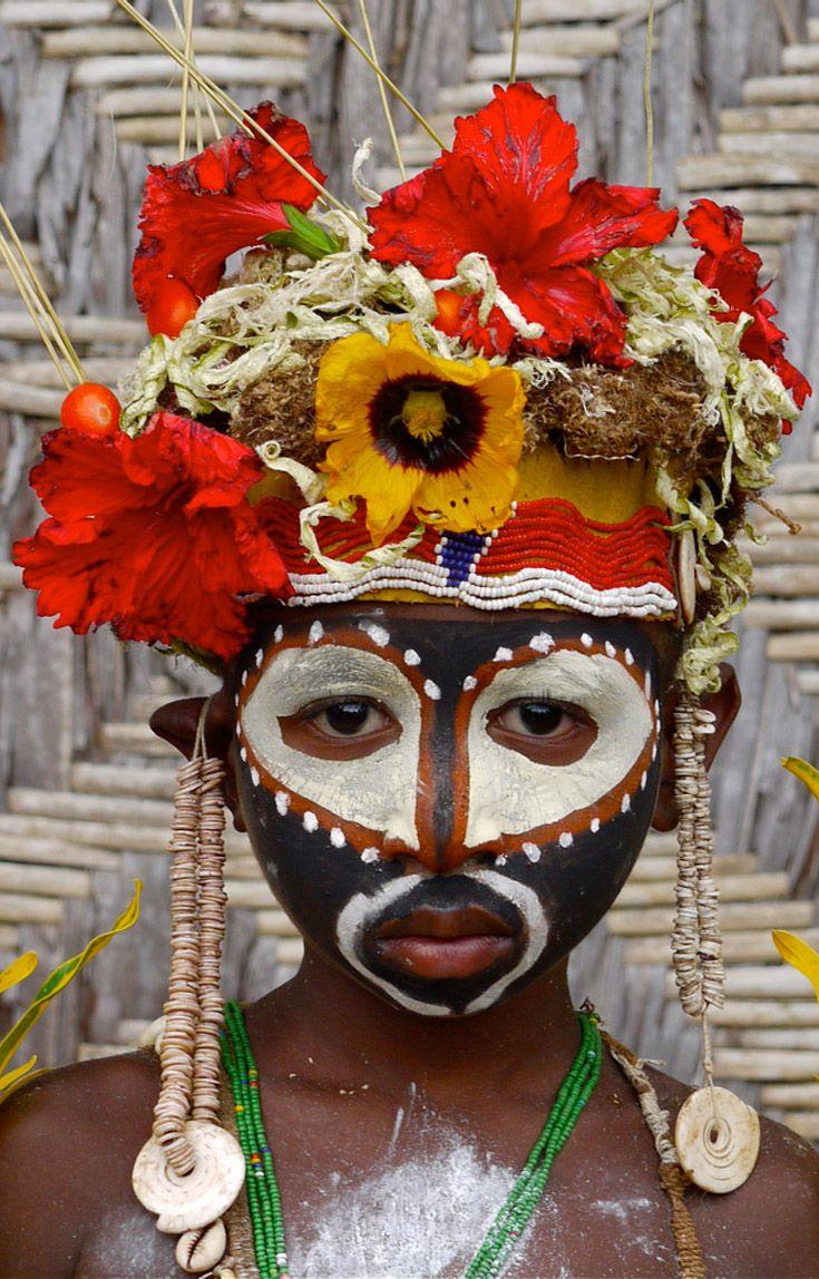 Papua New Guinea | Abelam boy.  Apangai village.  | ©Rita Willaert