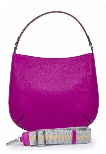 ff1e9ceb8eba4 Skórzanej torebka w pięknym fuksjowym kolorze marki Gianni Chiarini. Do  noszenia na ramię oraz w