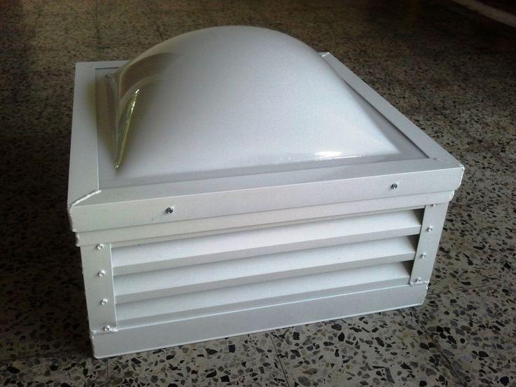 Foto de domo plastico con Louvers que fue instalado para circulacion de aire en un bano. Mansones de Garden Hills Guaynabo PR