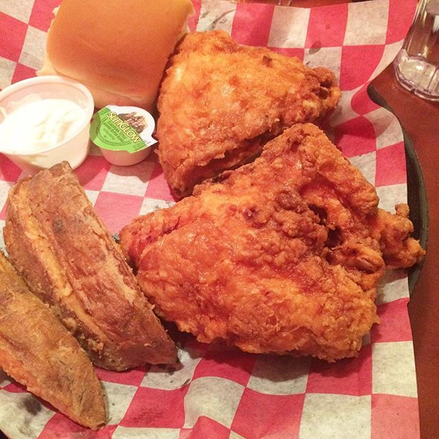 And the famous Sneaky's (Broasted) Fried Chicken. I needed more salt but other than that, it was the juiciest fried chicken I've ever eaten. I skipped most of the sides because holy huge servings. You can't beat $7.49 for this!