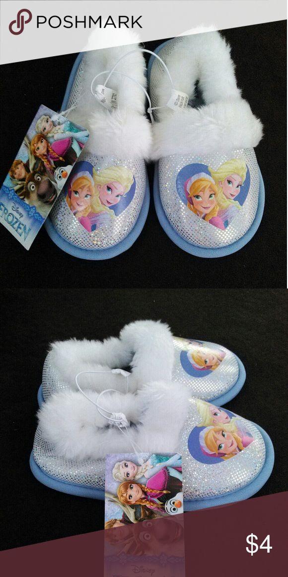 Disney Frozen Slippers Disney slippers for girls 7/8 Disney Shoes Slippers