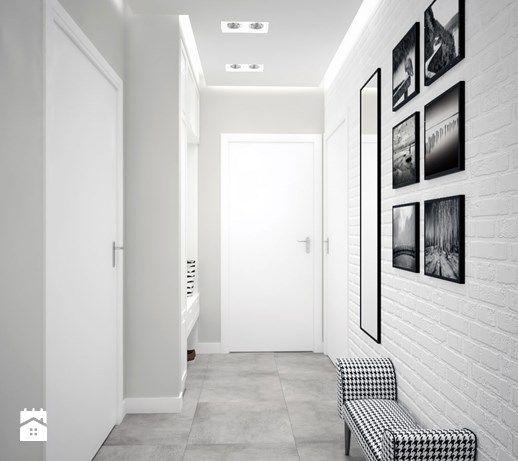 Aranżacje wnętrz - Hol / Przedpokój: czarno -biały korytarz - MIKOŁAJSKAstudio. Przeglądaj, dodawaj i zapisuj najlepsze zdjęcia, pomysły i inspiracje designerskie. W bazie mamy już prawie milion fotografii!