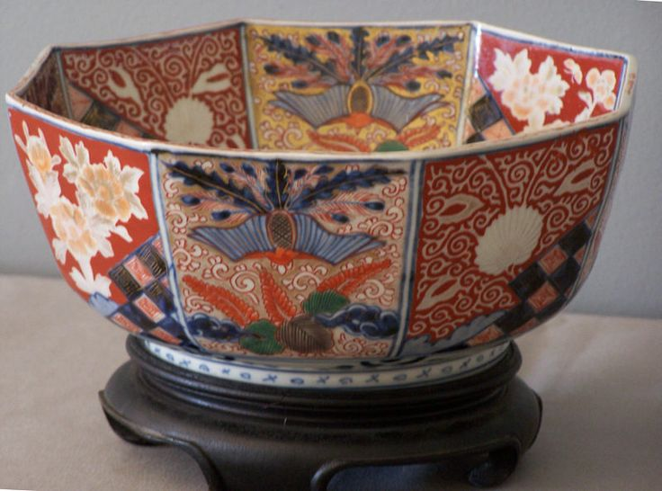 Japanese imari octagonal shape bowl c1860 http://asian.oneofakindantiques.com/7002_japanese_imari_octagonal_shape_bowl_c1860_1.htm