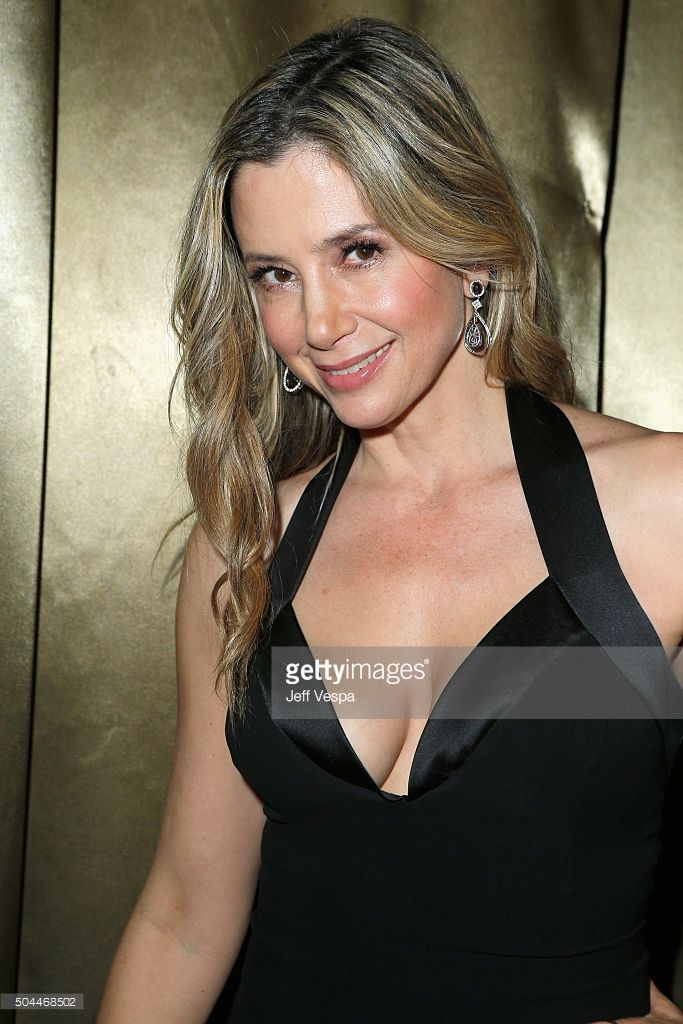 Actress Mira Sorvino attends The Weinstein Company and Netflix Golden Globe Party, presented with DeLeon Tequila, Laura Mercier, Lindt Chocolate, Marie Claire and Hearts On Fire at The Beverly Hilton Hotel on January 10, 2016 in Beverly Hills, California.