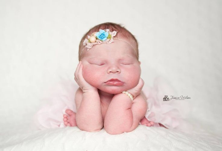 Newborn photography twin cities photographer pink tutu baby bracelet sleeping newborns