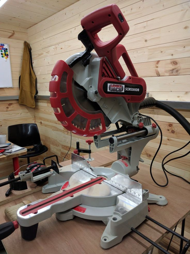 "I'm totally impressed with the @lumberjacktool 12"" sliding mitre saw I bought: it's far better than the £200 price tag would suggest 