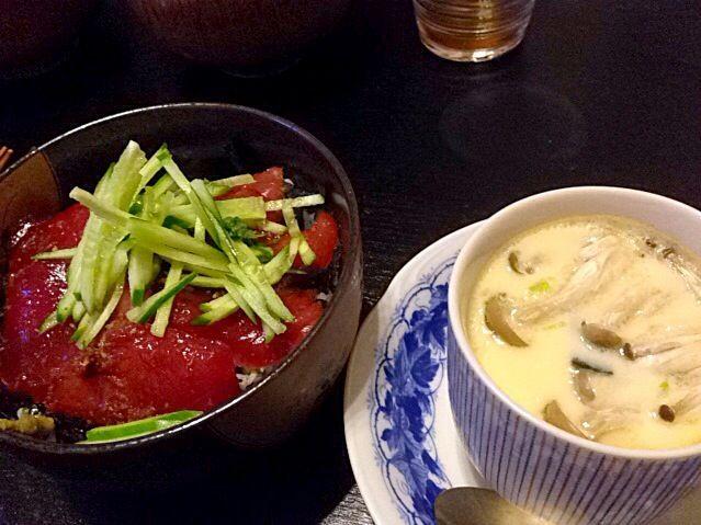 マグロずけ丼と茶碗蒸し! - 23件のもぐもぐ - 茶碗蒸しは松茸のお吸い物に卵と具を入れて15分蒸したものです!うまい! by pinpol88