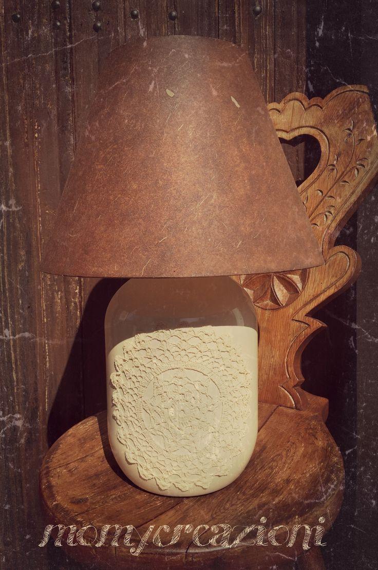 lampada riciclo con applicazione centrino in pizzo cappello decorati effetto cuoio