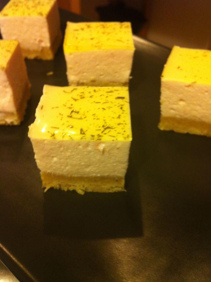 Découvrez la recette bavarois saumon fumé miroir citron aneth sur Cuisine-actuelle.fr.