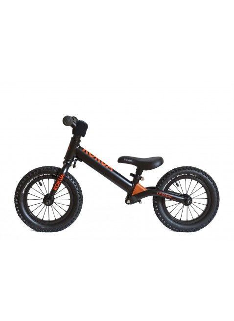 """Der Kokua LIKEaBIKE Jumper: ein cooles, modernes Aluminium Laufrad der deutschen Qualitätsfirma Kokua im hochwertigen Design. Der Kokua Jumper ist perfekt fürs erste """"Zweiradtraining"""" :-) Mehr Infos findet Ihr unter www.kleinefabriek.com"""