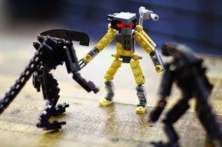 Lego Alien vs. Predator by Sparkart.