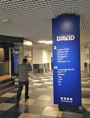 Entrada al centro comercial David desde la calle Aribau, esta entrada da acceso al supermercado Mercadona y también al Gimnasio Dir Tuset en #Barcelona