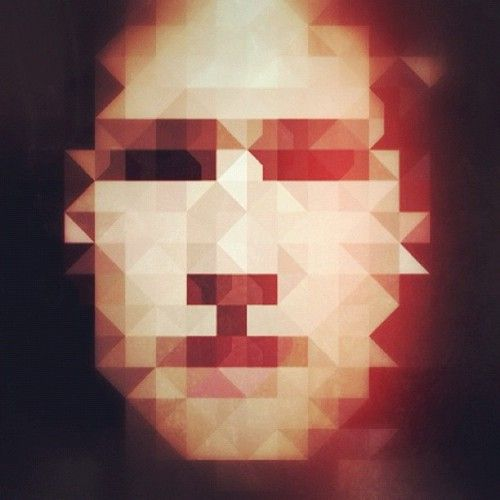 Phoneography DIY: Pixelate your portrait using the rad app pxl—http://bit.ly/pxl-app. This self-portrait was created by Instagramer @hello_im_kim.