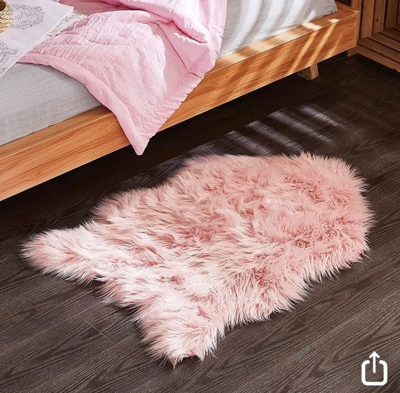 25+ Best Ideas About Fur Rug On Pinterest